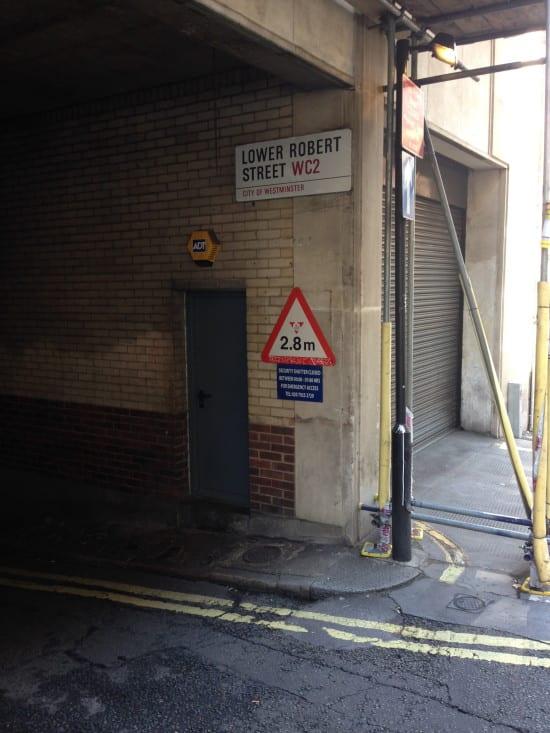 Lower Robert Street sign